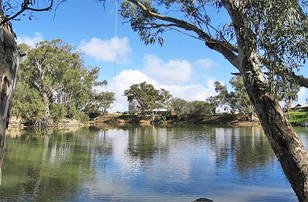 Hay Accommodation - Murrumbidgee River